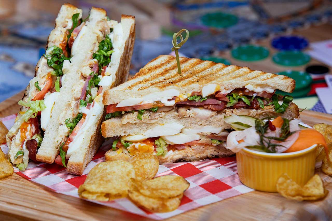 club sandwich and chips food