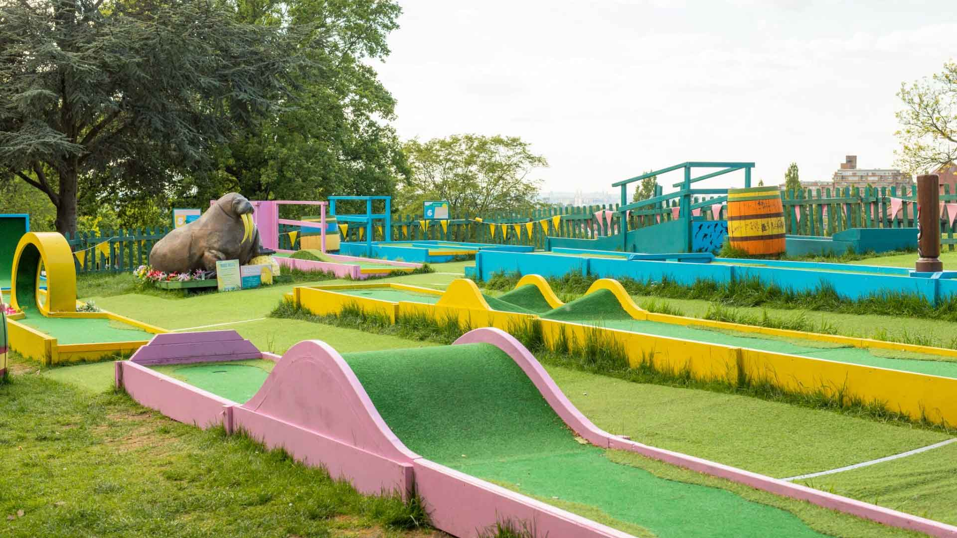 horniman crazy golf course